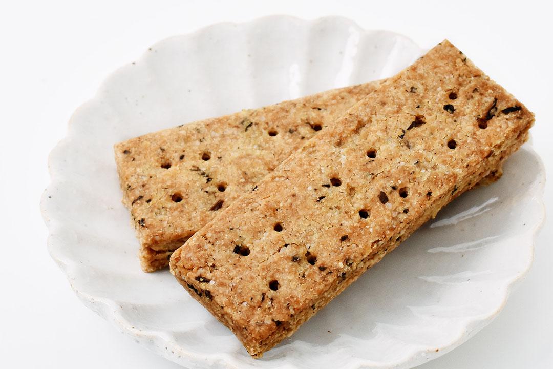 Food Hub Projectさんのカミヤマメイト・紫蘇黒糖味