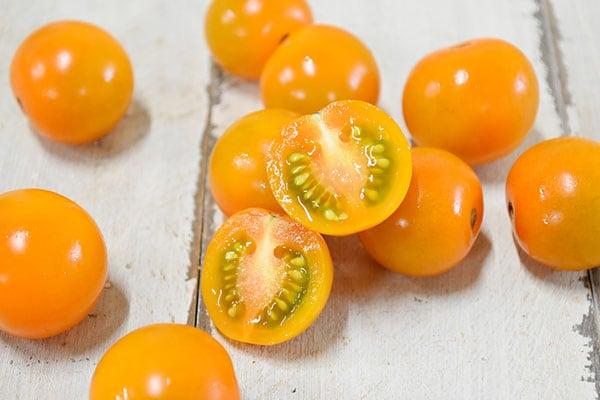戸津川さんのミニトマト・オレンジ(島根県)