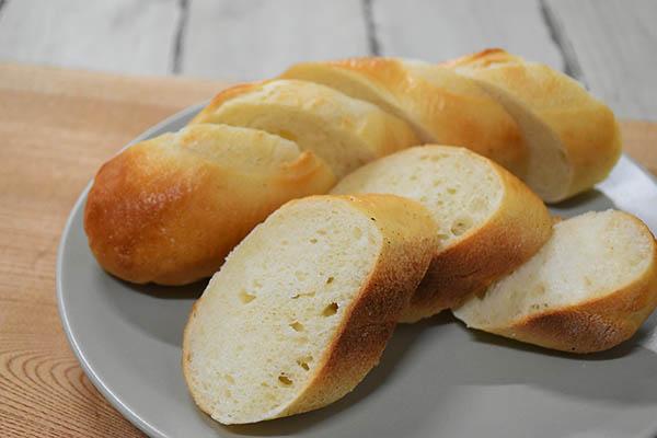 白殻五粉さんのフランスパン