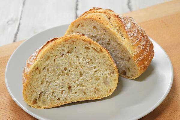 白殻五粉さんの田舎パン