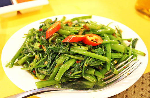 空芯菜ときゅうりの炒め物